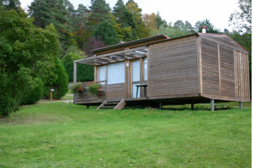 Habitation l g re de loisirs du camping les huttes for Habitation legere de loisir